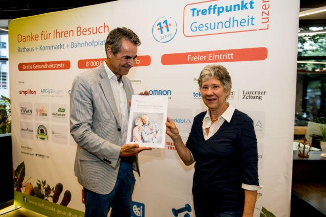 Treffpunkt_gesundheit_2019_preisuebergabe_Preis_4_RehaClinicAG